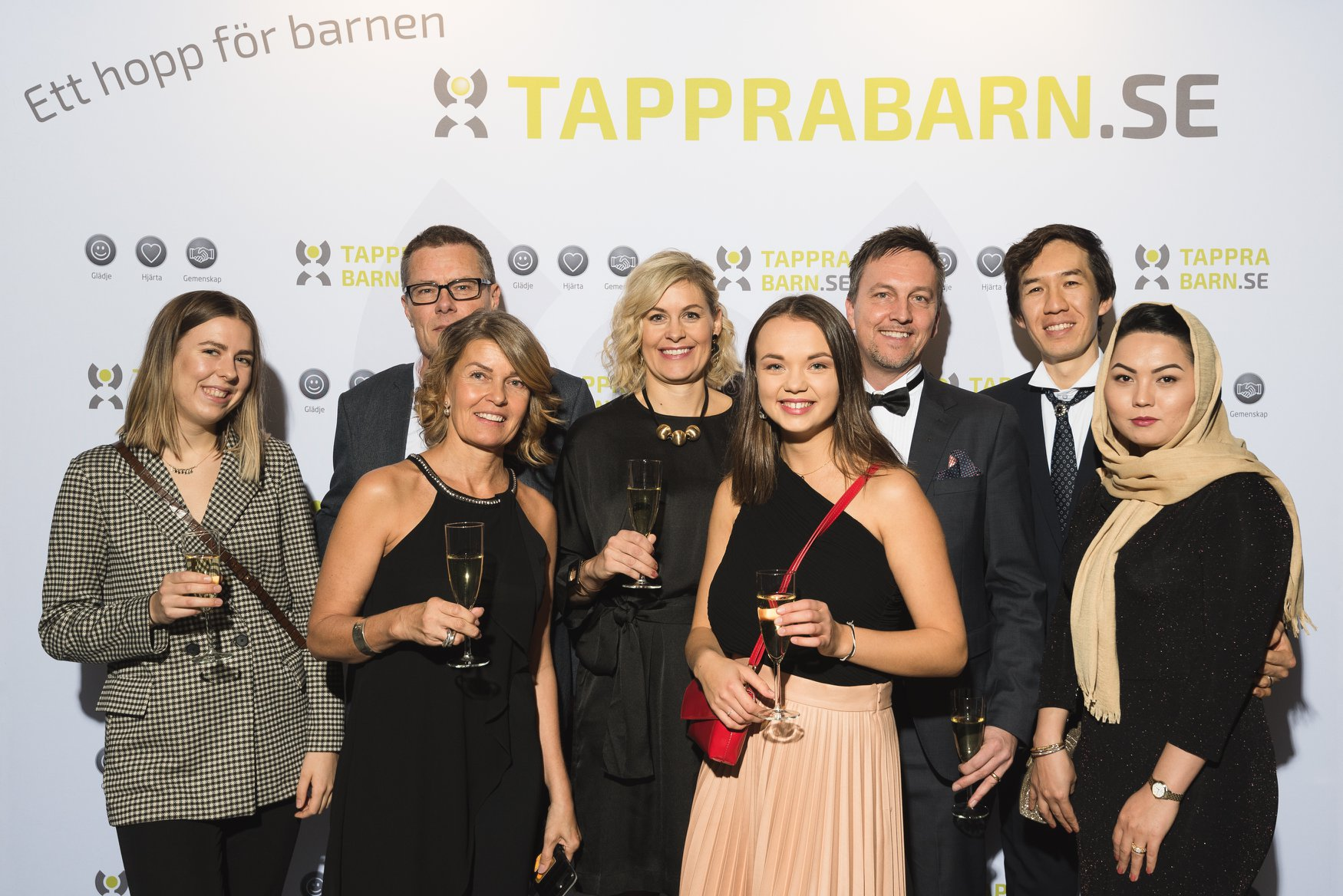 Storasystrarna på Tappra Barns Välgörenhetsgala 2019